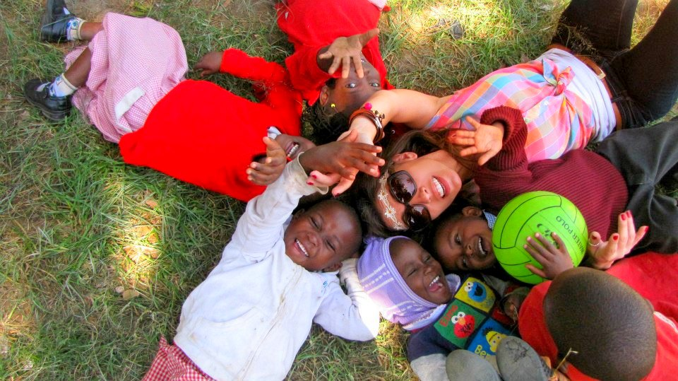Why Volunteering Abroad Leads To Happier Travel Experiences
